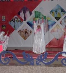 مدارس المهدي(ع) البزالية ولجنة امداد الامام الخميني(قده) الهرمل تكرم 51 فتاة بلغن السن الشرعي