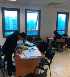 تلامذة مدارس المهديّ (ع) يشاركون في مسابقة الرسم التي تنظّمها وزارة التربية